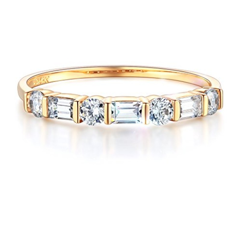 Wellingsale Ladies Solid 14k Yellow Gold Polished CZ Cubic Zirconia Wedding Band - Size 7